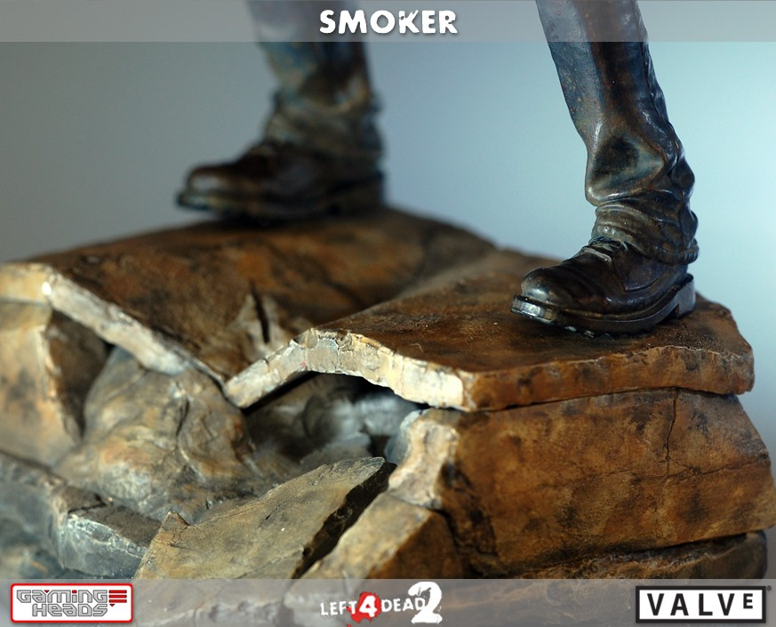 Left 4 Dead 2: Smoker Exclusive Statue
