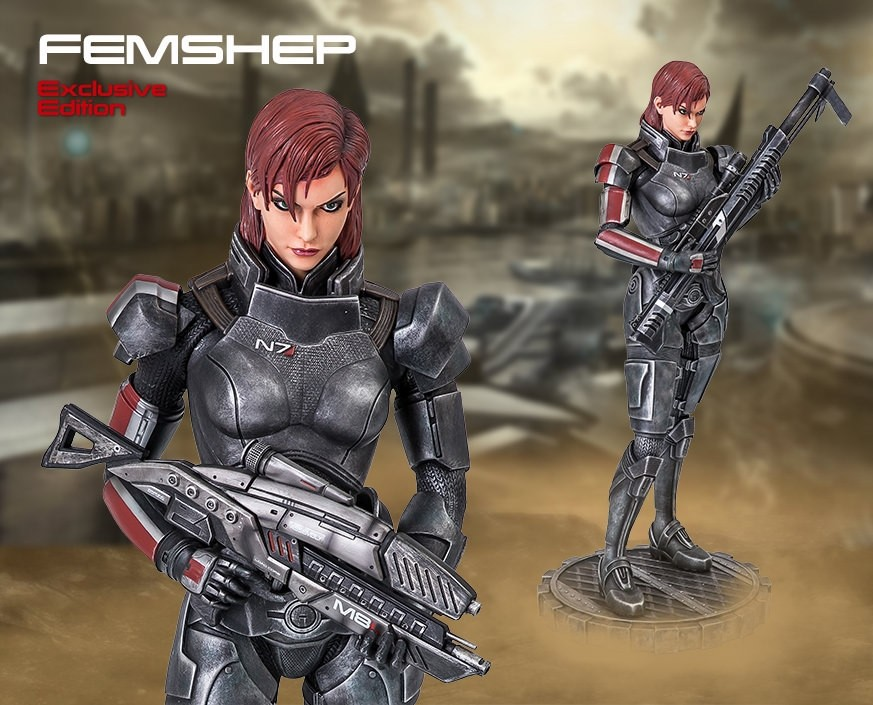 Mass Effect™: Femshep Exclusive Statue
