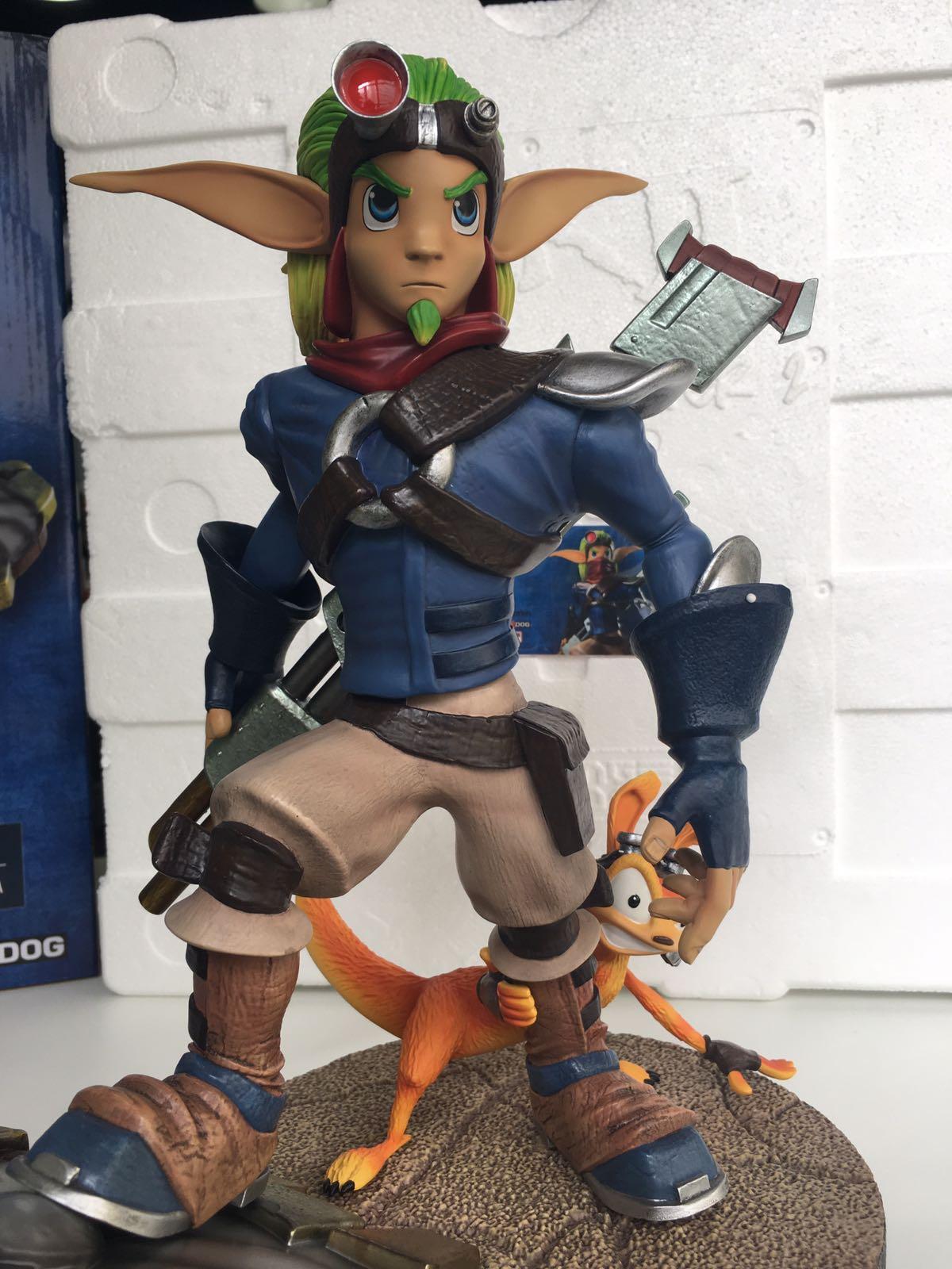 Jak II: Jak & Daxter regular statue